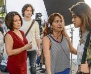 Reportagem no Globo sobre filmagem do filme Linda de Morrer, com Glória Pires, no Ateliê da Imagem