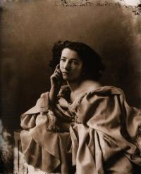 Imagem de Sarah Bernhardt por Felix Nadar