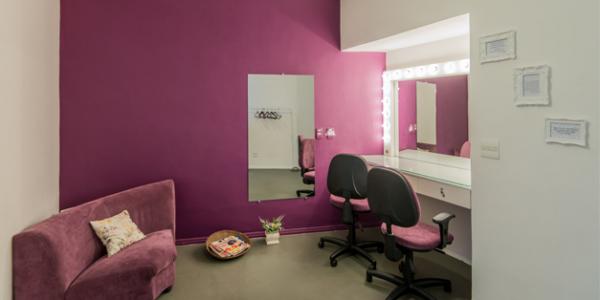 O estúdio do Ateliê da Imagem oferece as melhores condições da cidade para ensaios fotográficos.